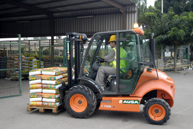 AUSA truck C 150 H är en favorit hos handelsträdgårdar och trädgårdsanläggningar
