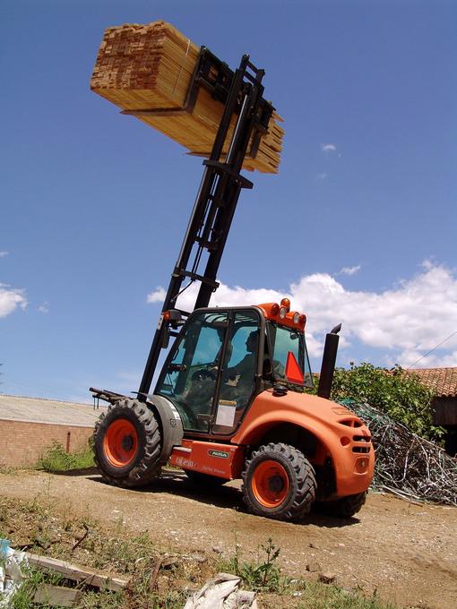 Byggtruck för laster upp till 2500kg